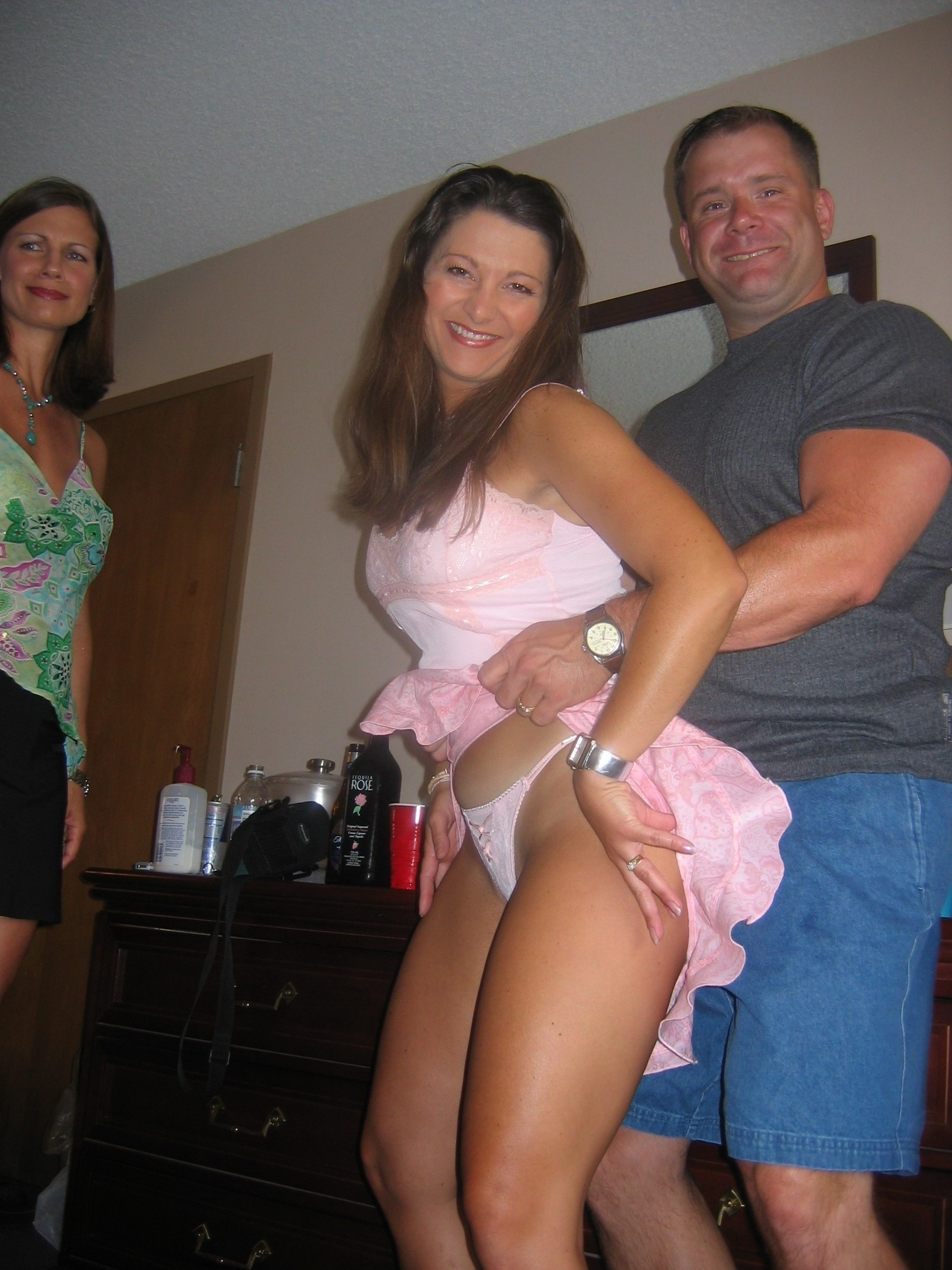 Drunk Mom Upskirt Amateur Photos Porn Pictures - Beemtubecom-8942