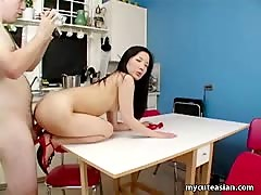 Chinese amateur gets wild in the kitchen